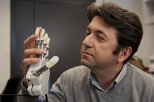 Βιονικό χέρι δίνει στον ασθενή την αίσθηση της αφής!