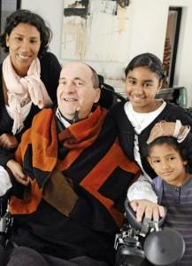 Ο Philippe Pozzo di Borgo με την σύζυγο και τις κόρες του